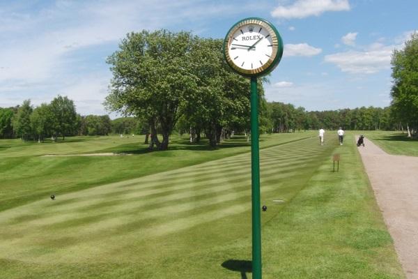 Golfregler spel från fel tee